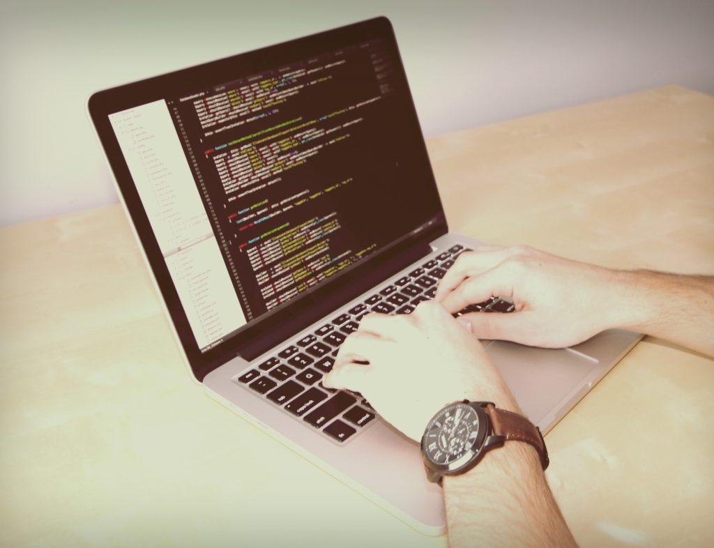 プログラミング 独学 学べる サイト