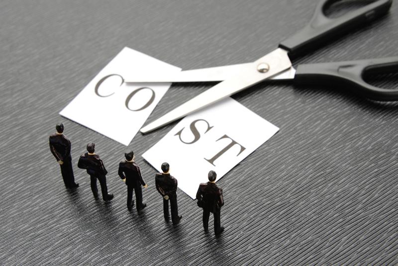 日本企業 コストカット 投資