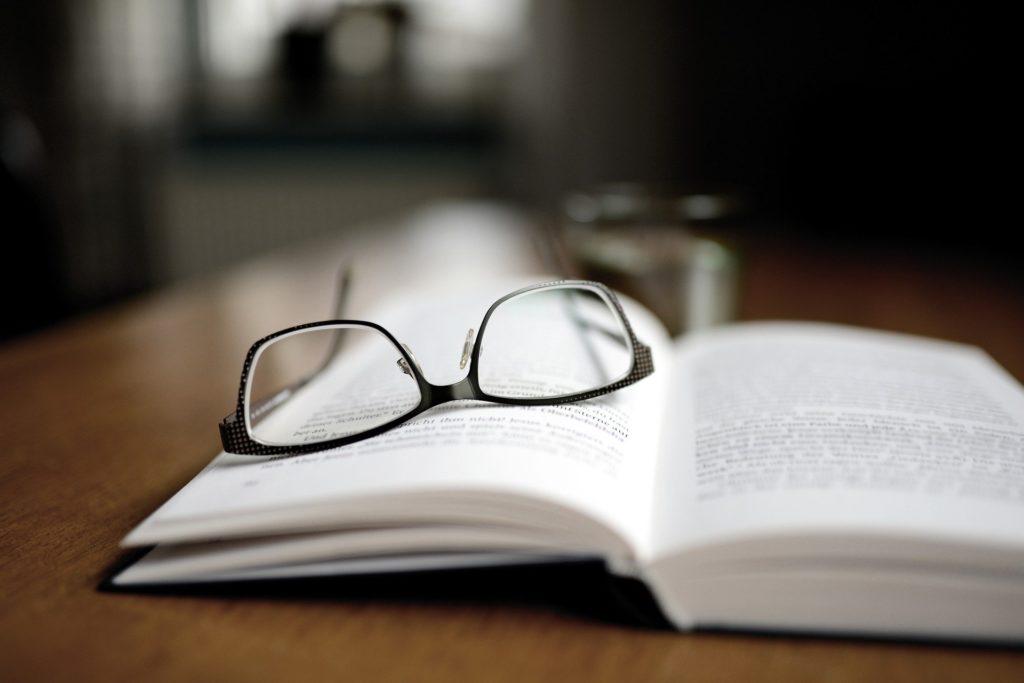 横に広げる読書 縦に深めていく読書 T字型読書