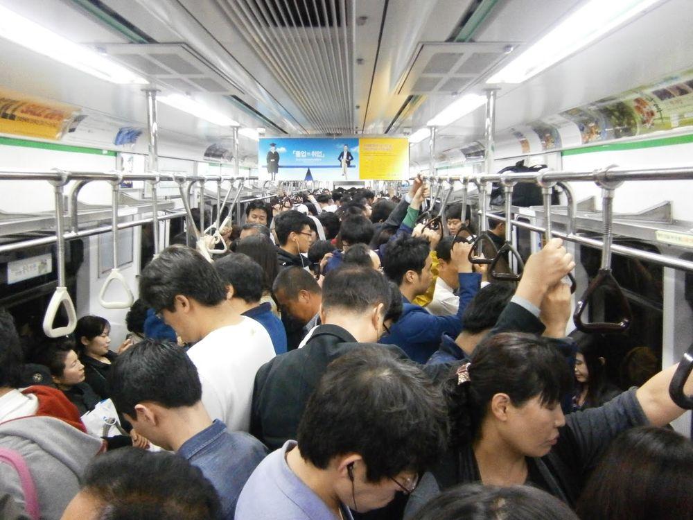 日本 テレワーク 満員電車