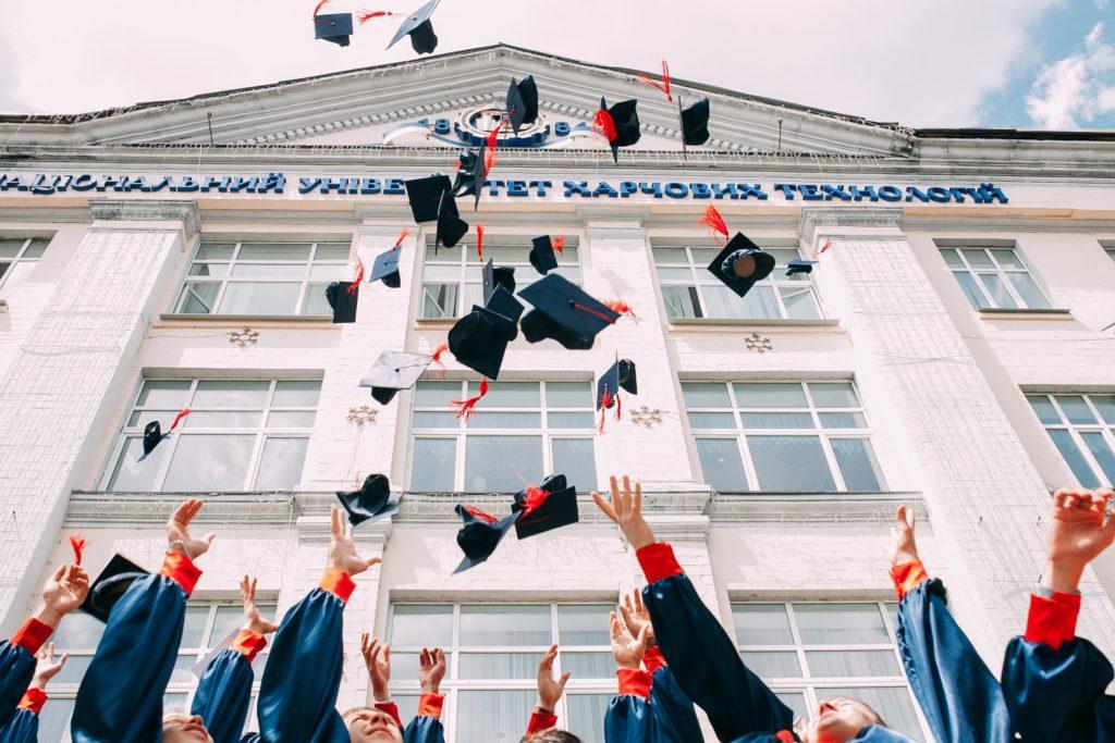学校 卒業 学生 大人 大切 こと