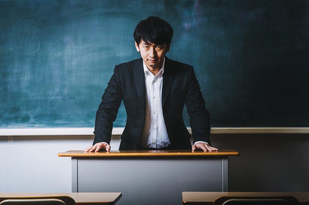 日本 オンライン授業 教師