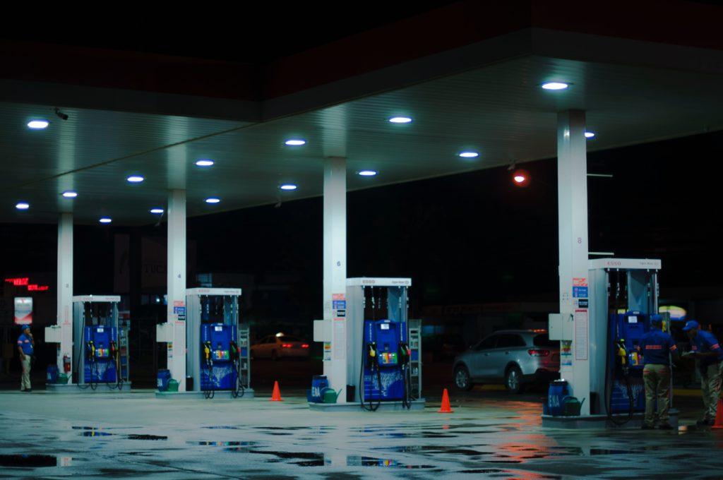 逆オイルショック ガソリン 安くなる