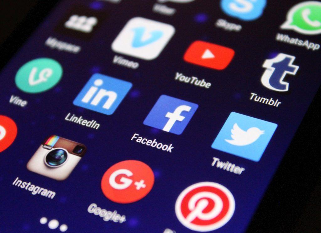 ハードスキル ソーシャルメディア