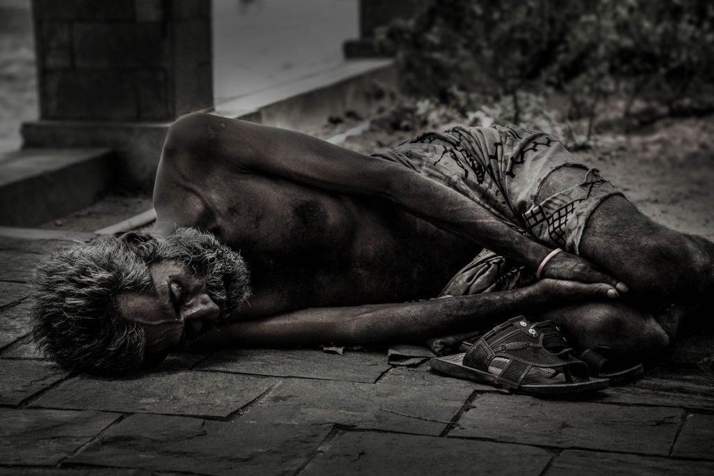 社会 物質的貧困 精神的貧困
