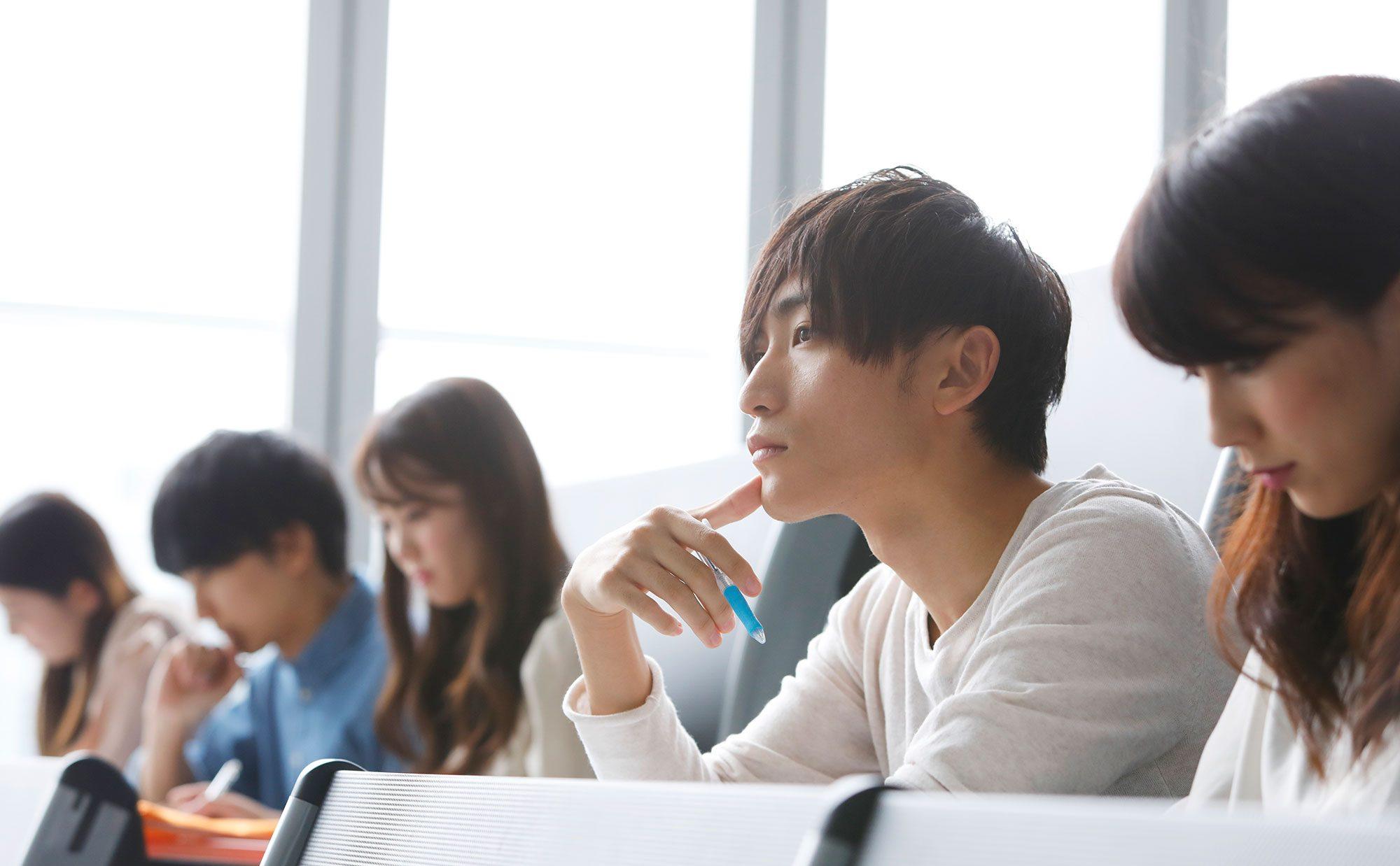 日本 大学 行くべきかどうか