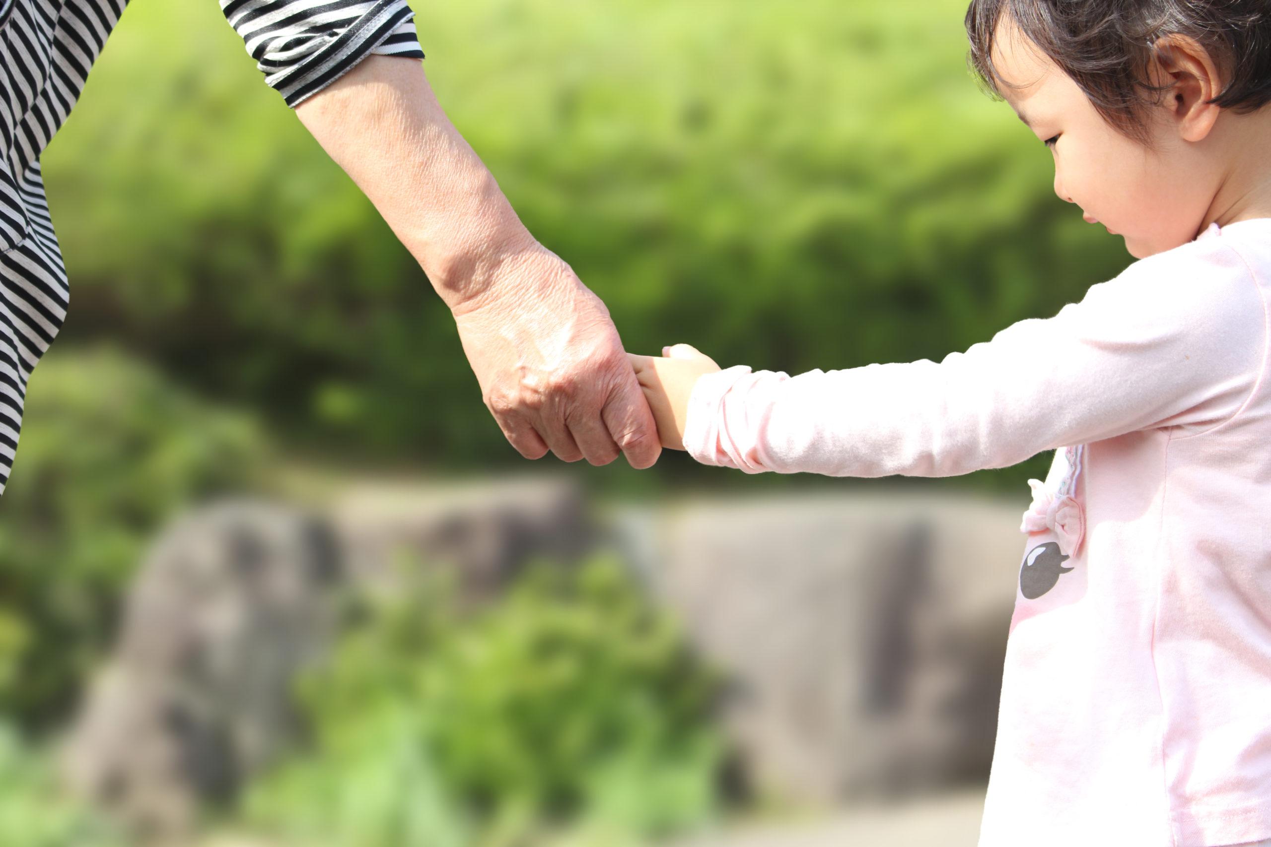 新型コロナ 日本 基礎疾患持ちの高齢者 現役世代