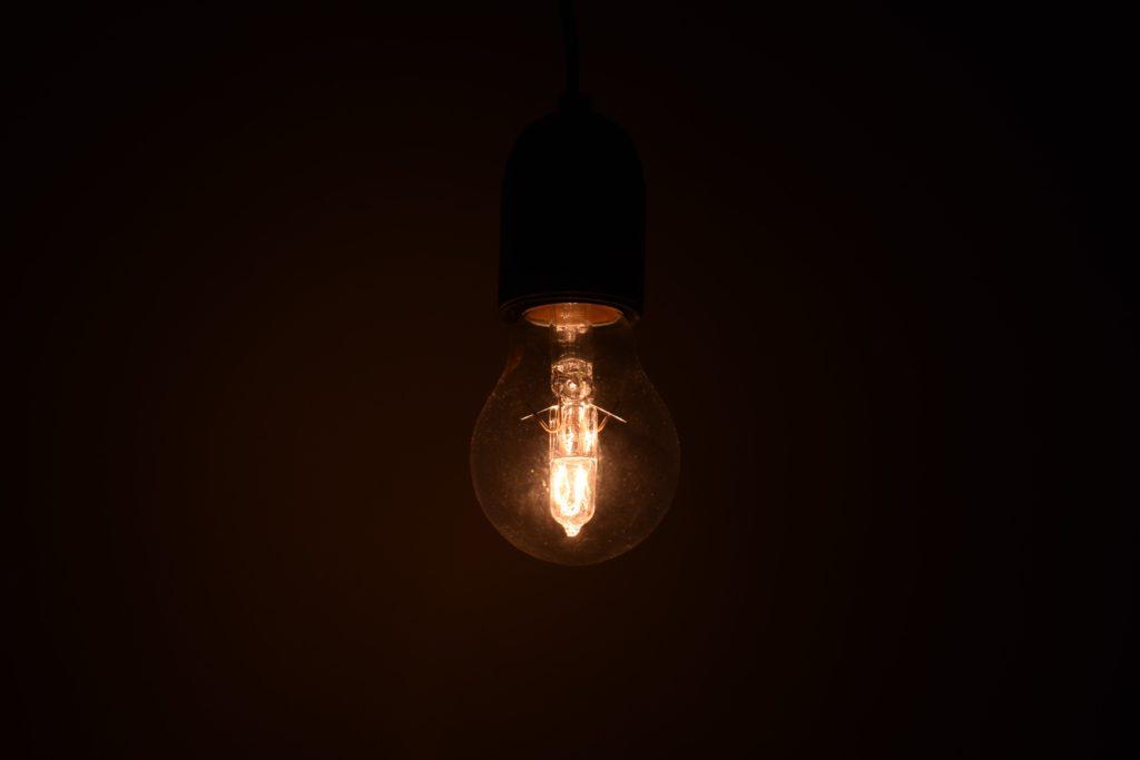 日本 電力 逼迫 大規模停電